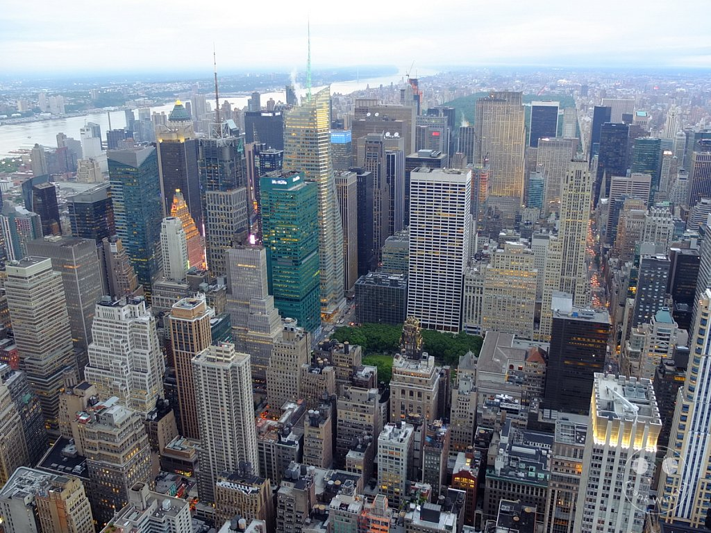 NYC - Manhattan above the rooftops