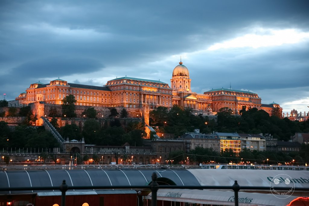Castle Hill with the Royal Palace - Budapest - Ungarn
