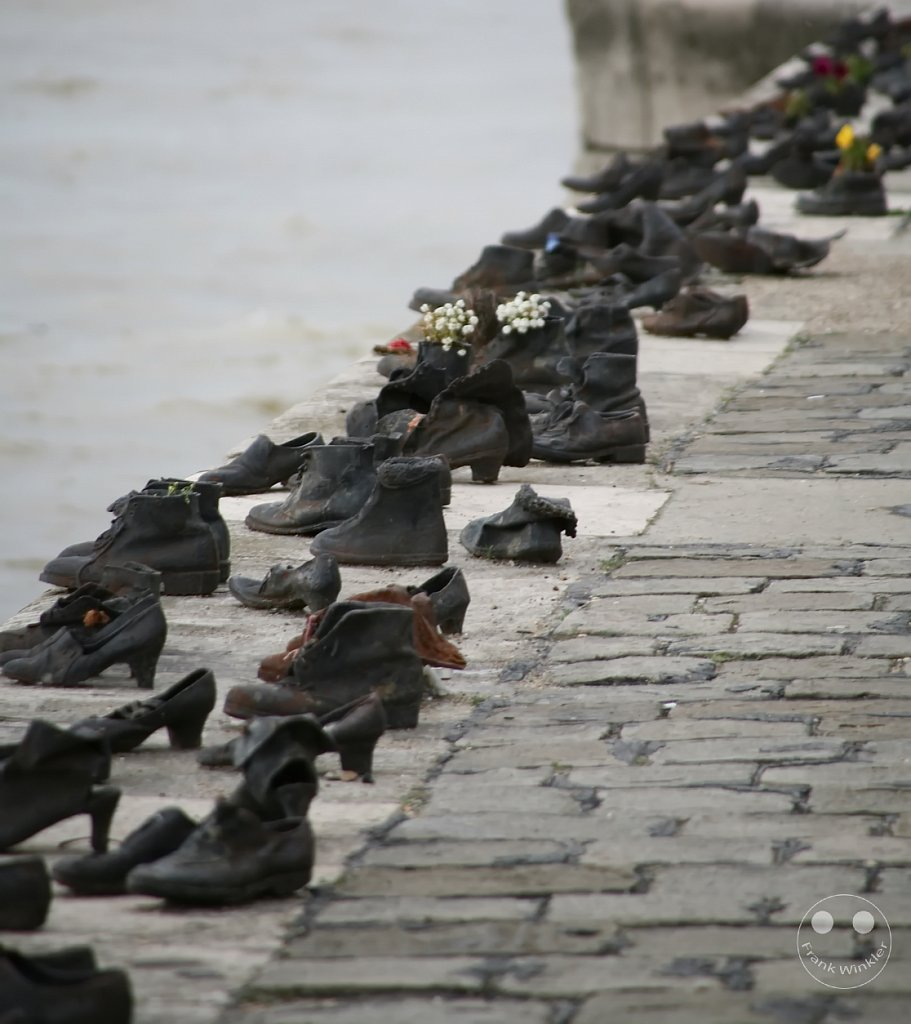 Shoes on the Danube Bank - Budapest - Ungarn