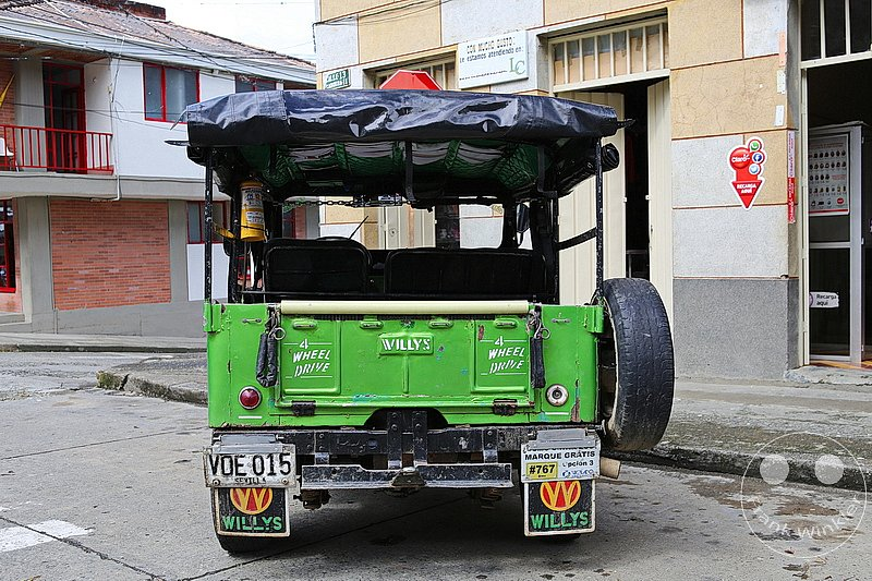 Kolumbien - Kaffeezone - Cordoba - Jeep Willys - 4 wheel drive - Taxi - Transport